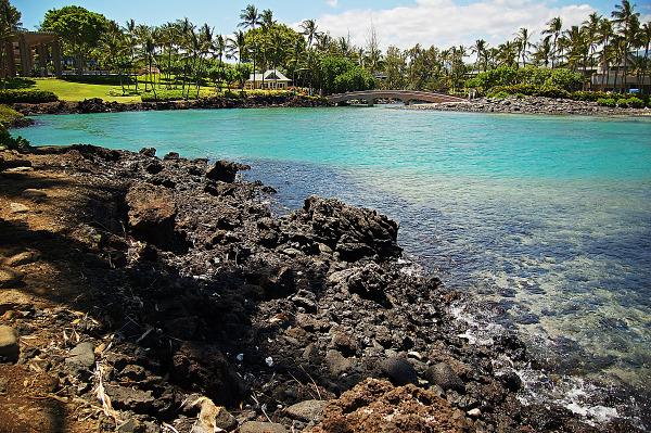 hilton waikoloa rocky beach turquoise water overview