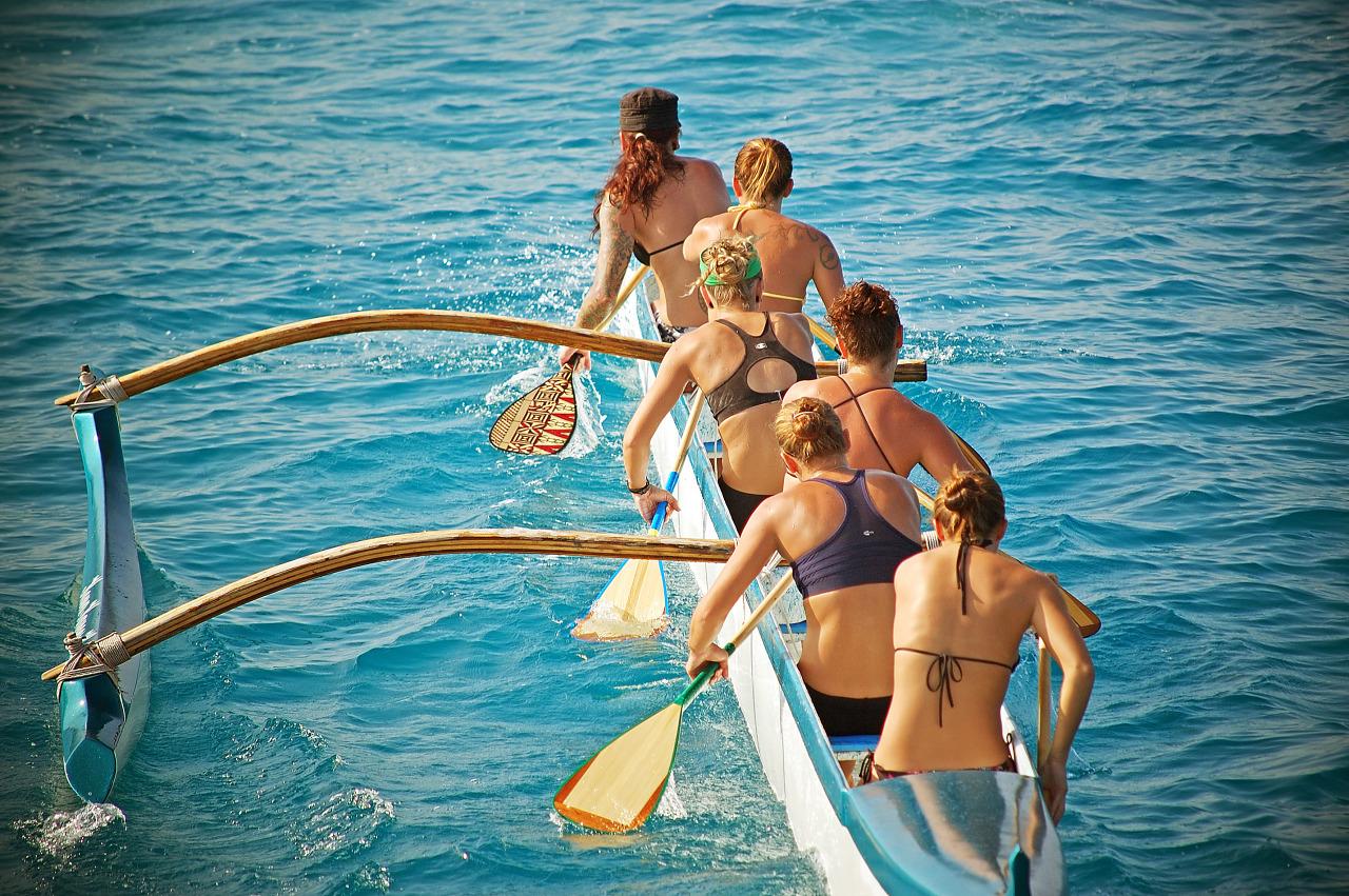 Women rowing team on the ocean at Kailua Kona, Hawaii
