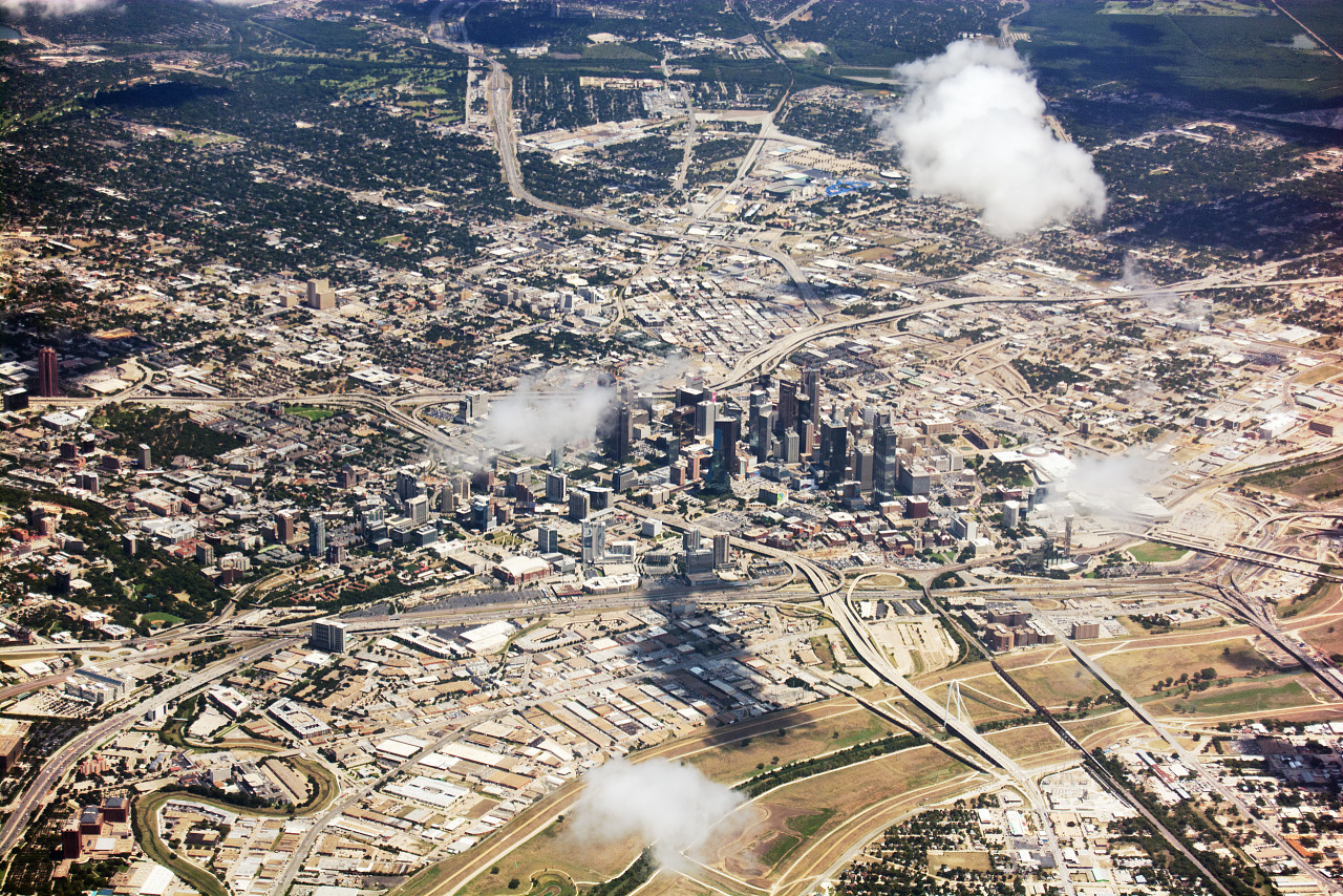 Aerial view of the skyline of Downtown Dallas and the Green belt