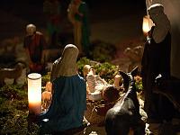 france-2009 > nativity scene christmas night church moret sur loing