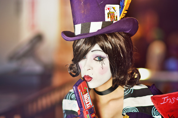 Enasni Volz with a Mad Moxxi Cosplay inspired by Borderlands