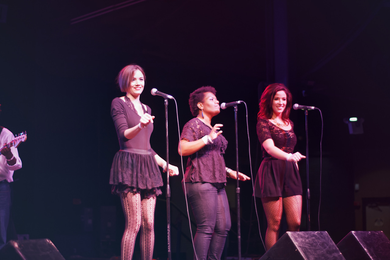 Backup singers at wrap-up party of Gearbox Community Day