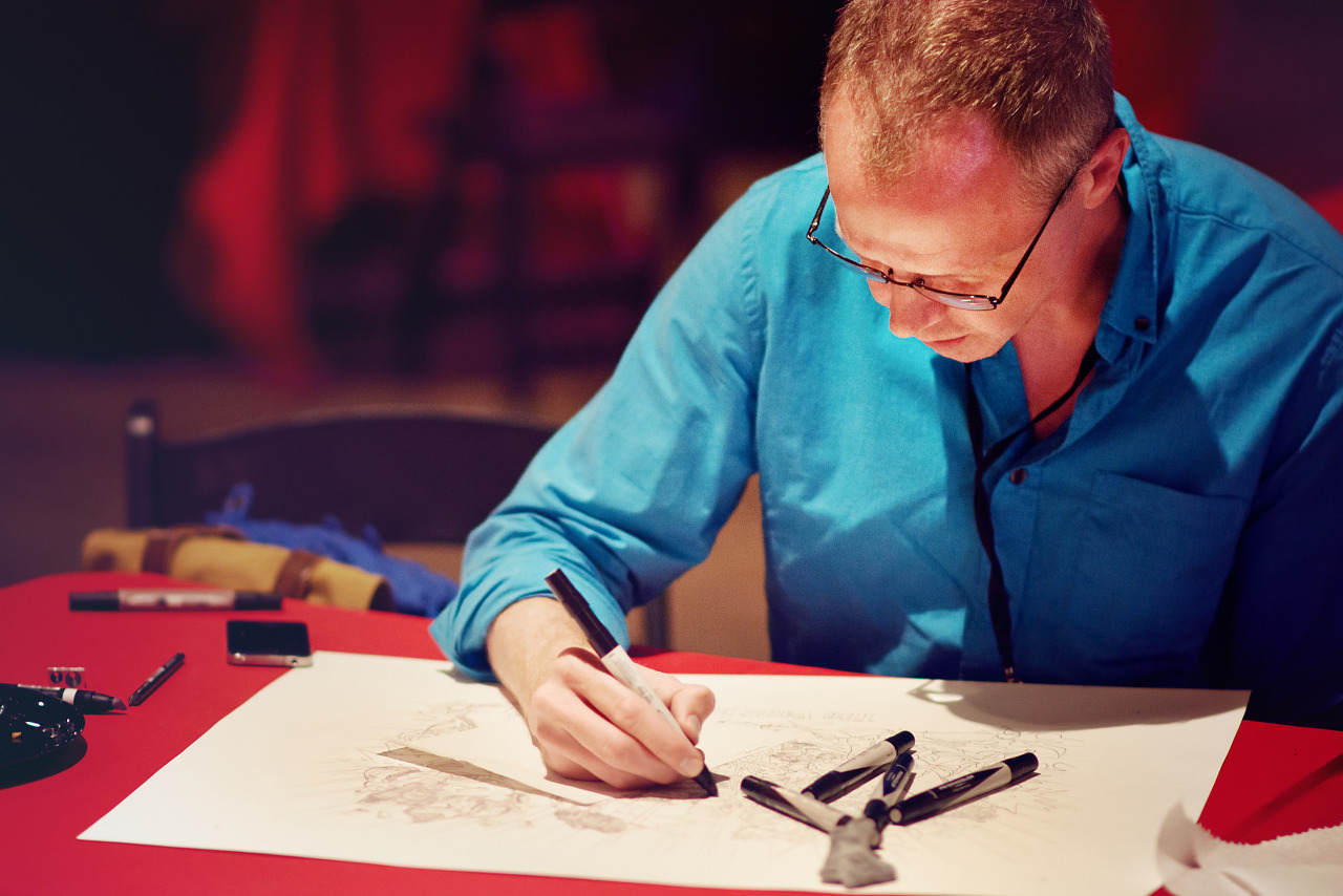 Gearbox Concept Artist Drawing At Gearbox Community Day 2013