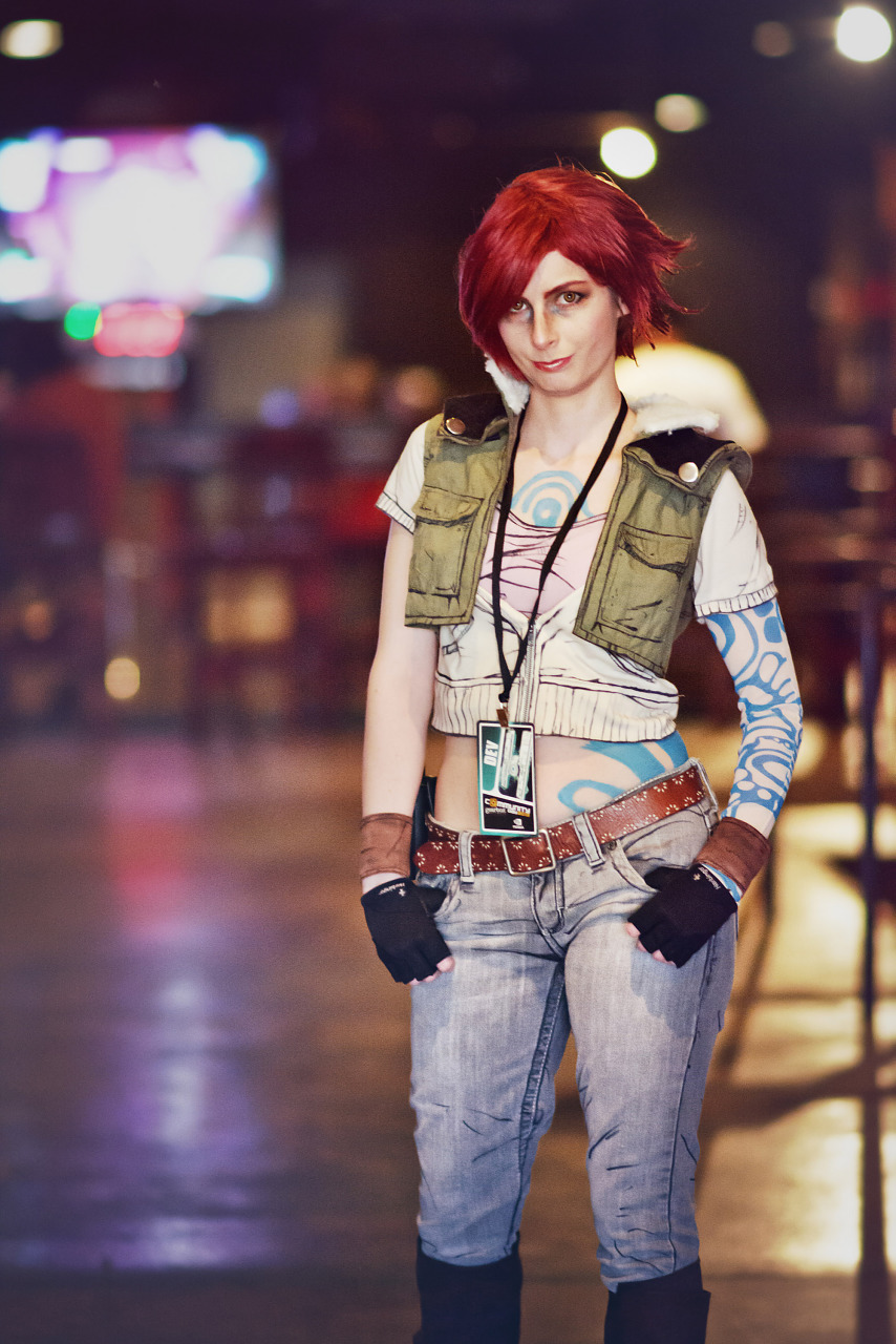 Lilith the Siren cosplay from Borderlands at Gearbox Community Day 2013 001