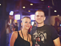 gearbox-community-day-2013 > Couple with short hair at wrap-up party of Gearbox Community Day 2013