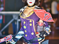 gearbox-community-day-2013 > Enasni Volz with a Mad Moxxi Cosplay at Gearbox Community Day 2013 001