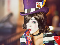 gearbox-community-day-2013 > Enasni Volz with a Mad Moxxi Cosplay inspired by Borderlands