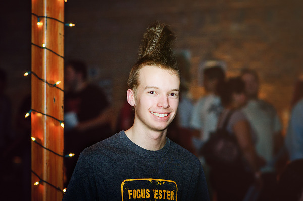 Fan with mohawk hair at Gearbox community day - 024