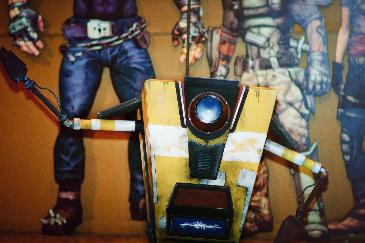 Claptrap from Borderlands at Gearbox community day - 009