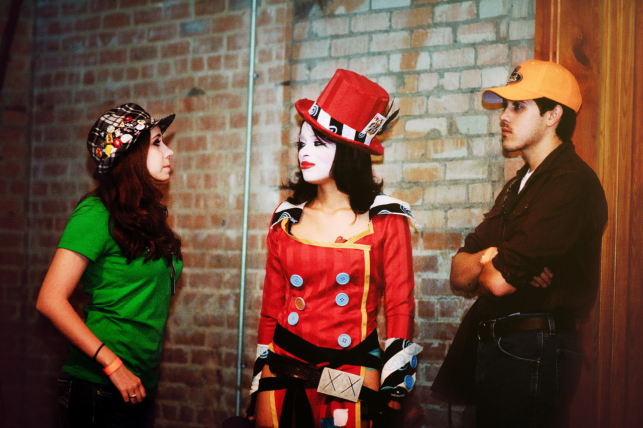 Fans at Gearbox community day - 013 - Mad Moxxi and Borderlands Cosplay
