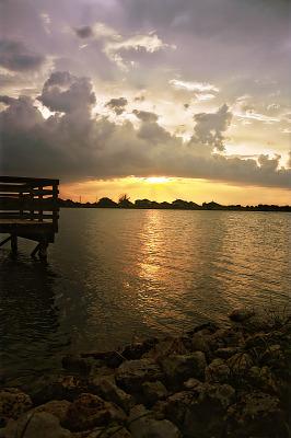 lake-pflugerville-sunset > Rocky beach near the pier at sunset