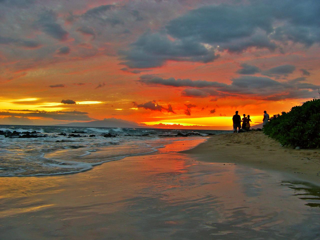 The Sky of Maui is on Fire