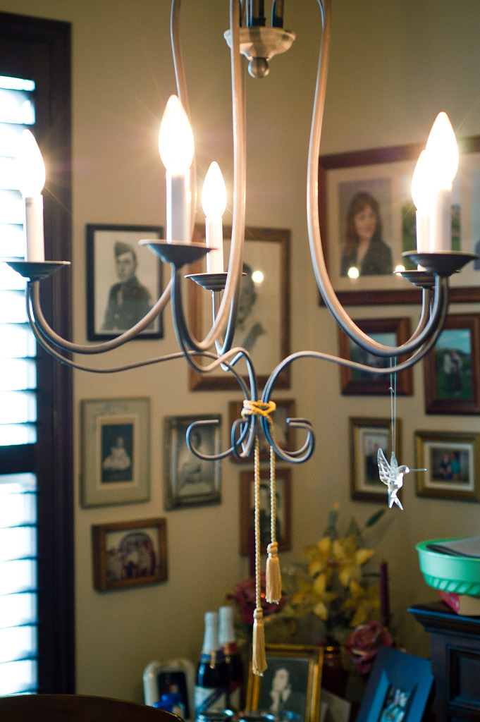 Netchandelier In Dining Room : Chandelier in the dining room, Thanksgiving dinner  Grégory Massal ...