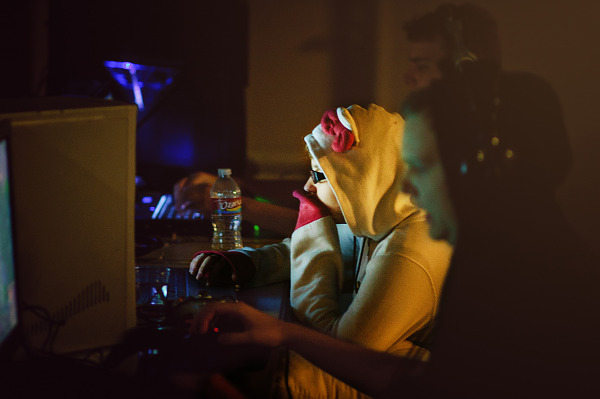 Quakecon 2011 - Girl playing at the lan party