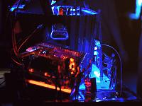 quakecon-dallas-2011 > Quakecon 2011 - fluorescent modded PC