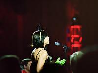 quakecon-dallas-2011 > Quakecon 2011 - costumed girl question at panel