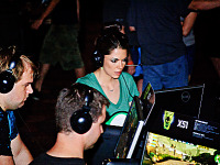 quakecon-dallas-2012 > Gamer girl competing on the Dell Booth at Quakecon 2012