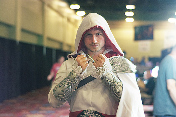 Guy doing a cosplay of Ezio Auditore from Assassin's creed at Quakecon 2013