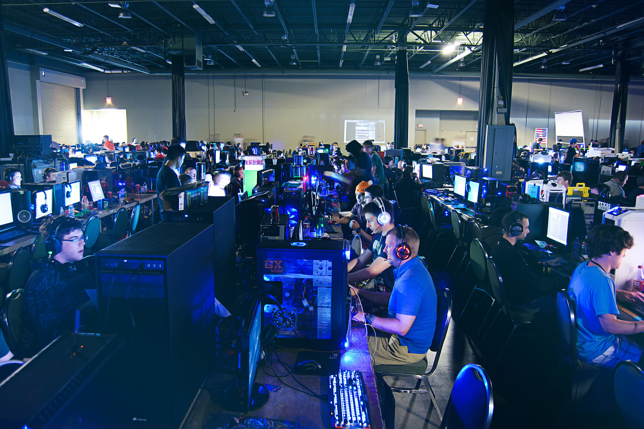 BYOC area and LAN party at Quakecon 2013