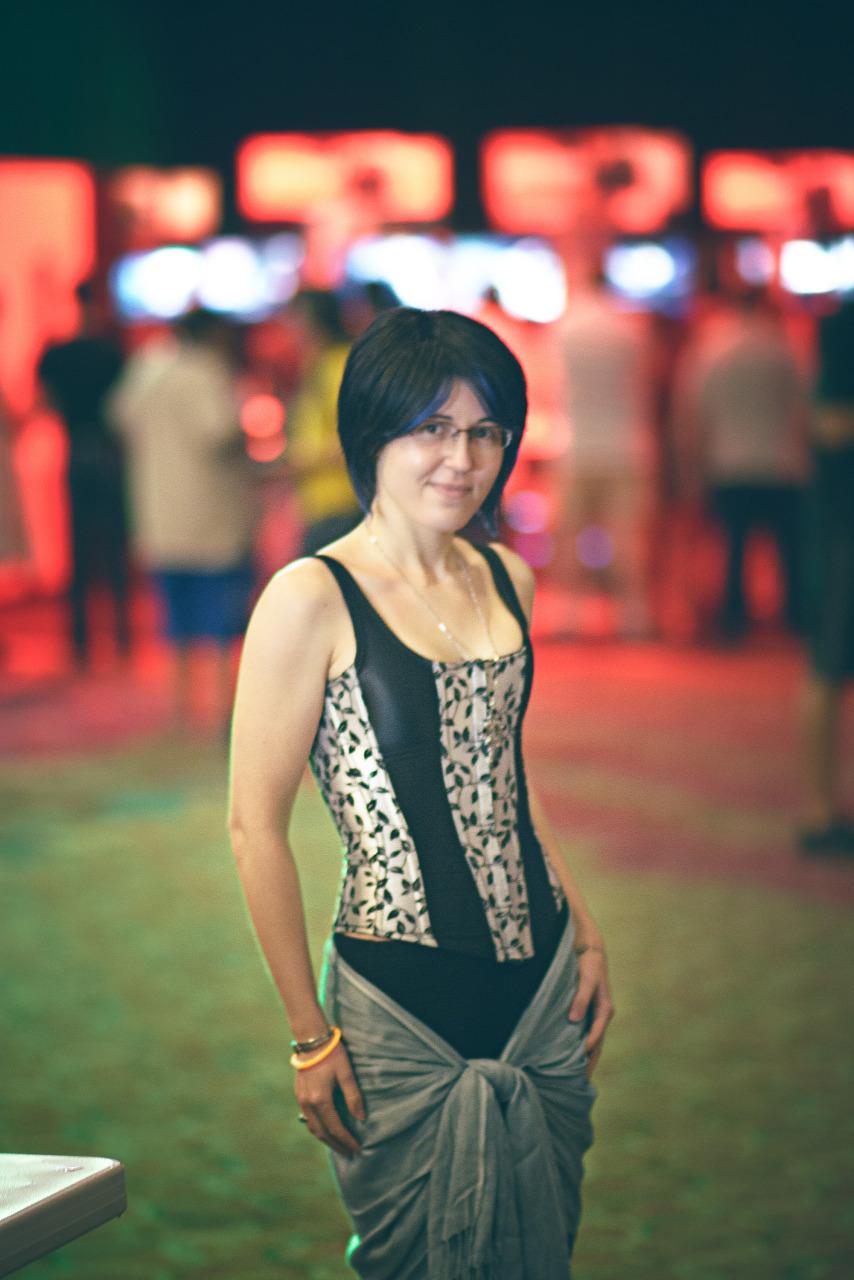 Girl with Corset at A-Kon booth Quakecon 2013