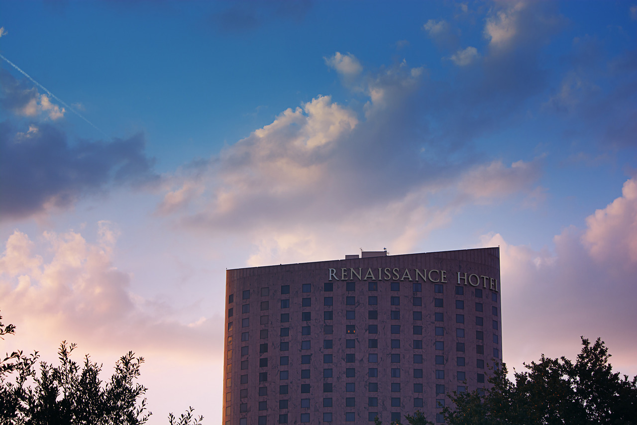 Renaissance Dallas hotel at sunset Quakecon 2013
