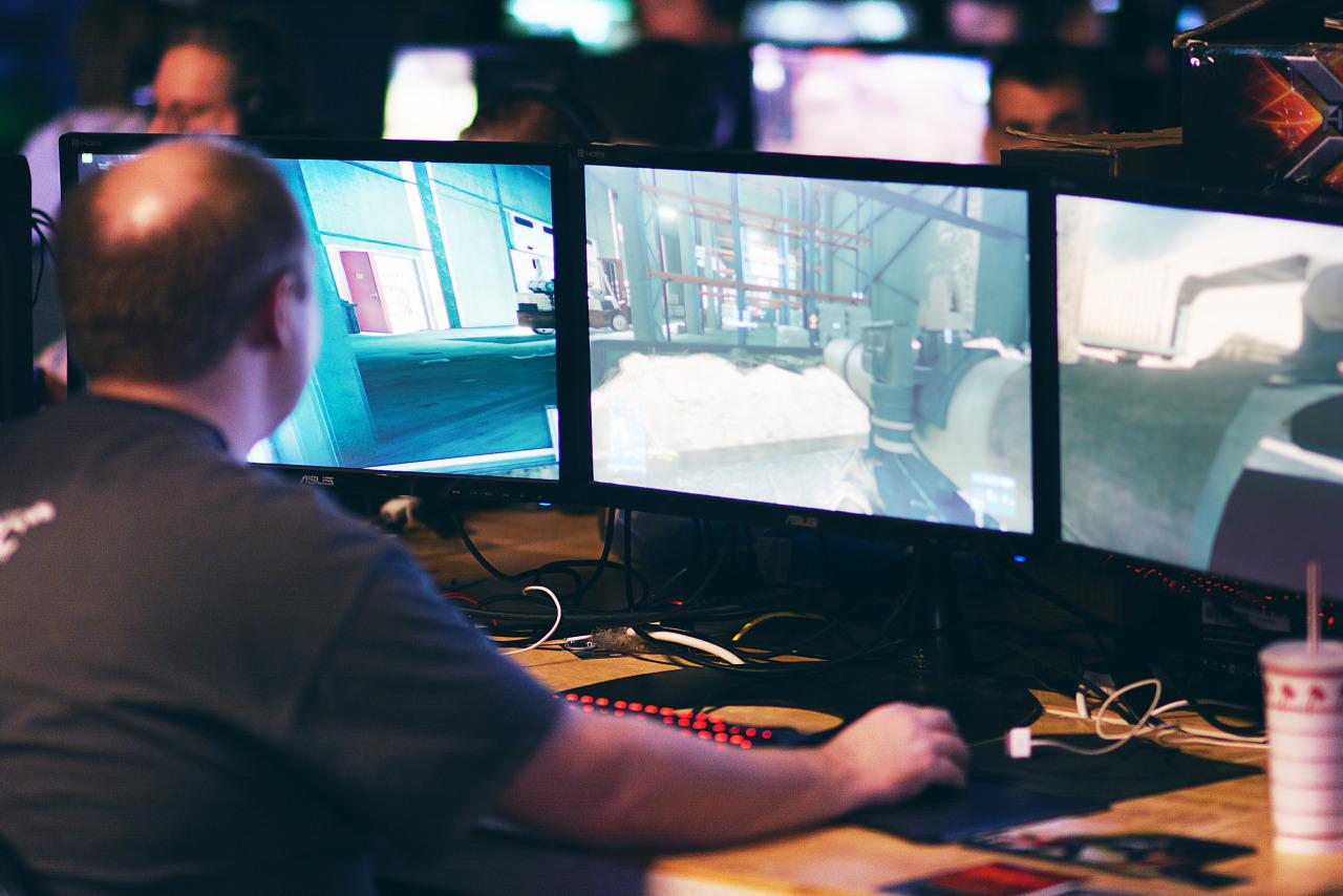 SLI Triple screen running BF3 at 60 fps at Quakecon 2013