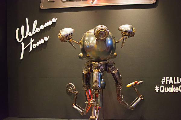 Mr Handy robot of Fallout 4 animatronics on Quakecon showfloor