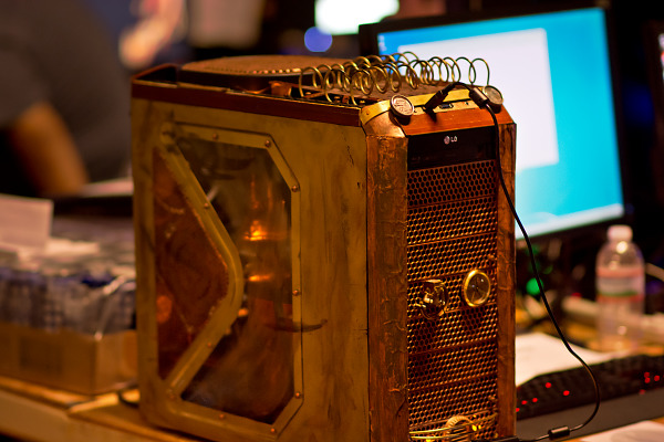 Steam punk PC mod with copper BYOC Quakecon