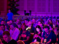 quakecon-dallas-2015 > Fallout 4 presentation audience lit with phones