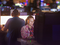 quakecon-dallas-2015 > Focused on the game - gamer at Quakecon BYOC