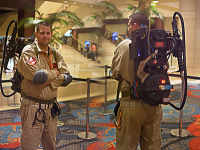 quakecon-dallas-2015 > Ghostbusters themed cosplay and PC mod in proton pack at Quakecon