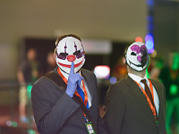 quakecon-dallas-2015 > Couple gamers in a Payday cosplay at Quakecon