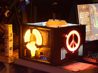 quakecon-dallas-2015 > Yellow glowing PC mod on the BYOC at Quakecon