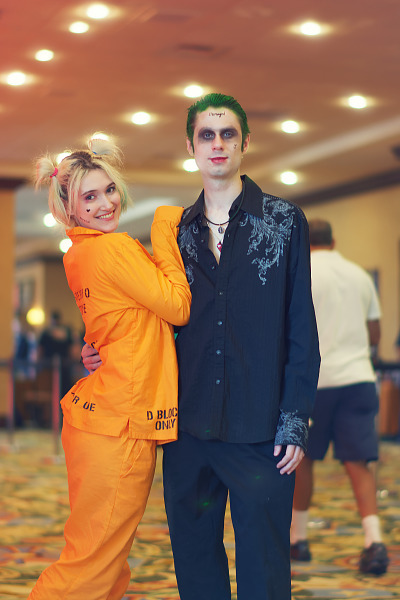 Cosplay of Harley Quinn and Joker from the Suicide Squad movie at Quakecon 2017