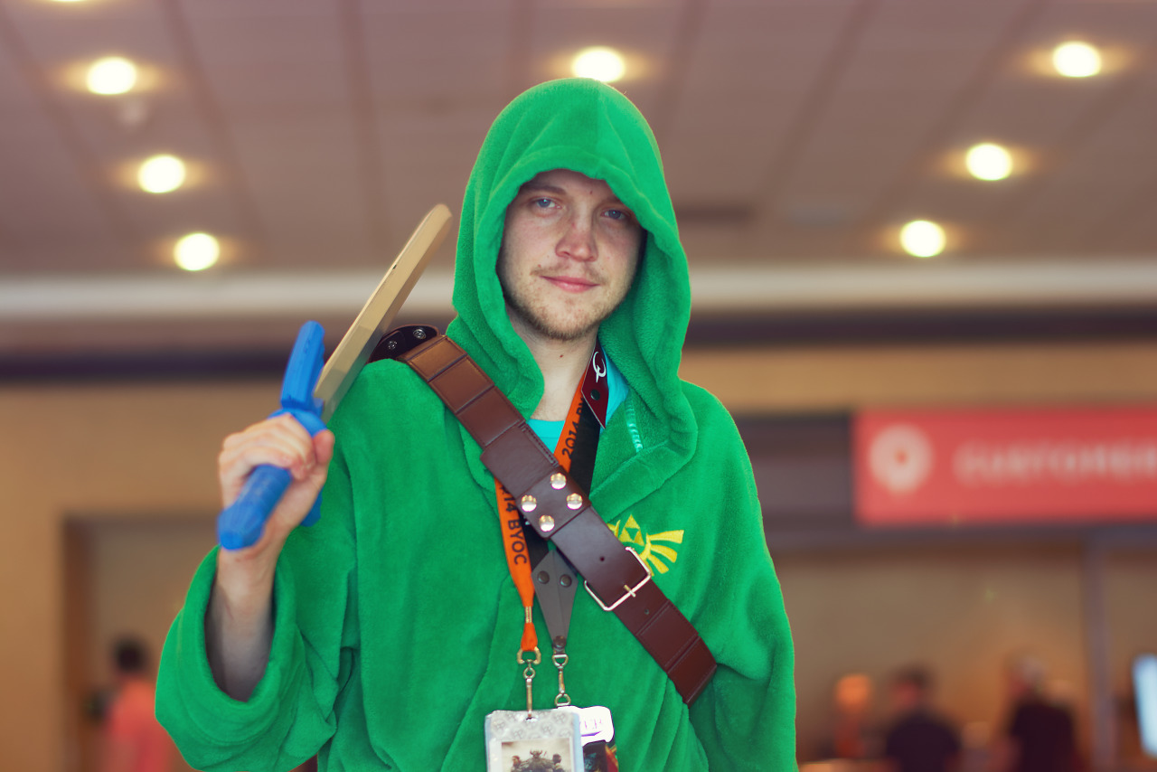Bathrobe costume modeled after Link from the Legend of Zelda Series at Quakecon 2017