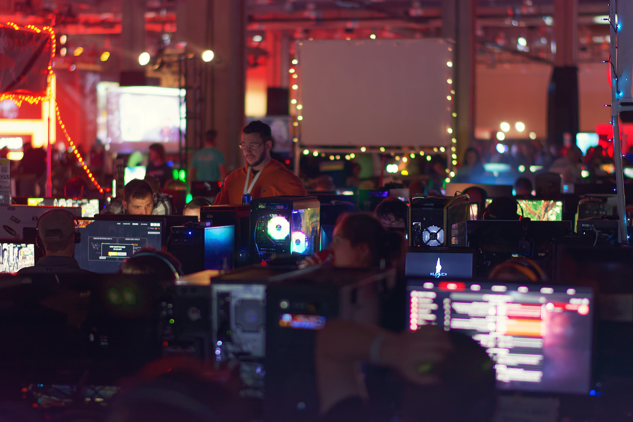 Large gathering of computers at the BYOC LAN party of Quakecon 2017