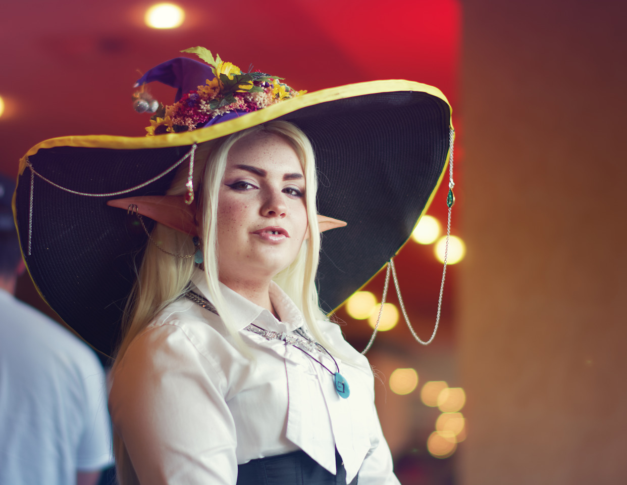 Cosplay of Taako a character from The Adventure Zone Podcast at Quakecon 2017