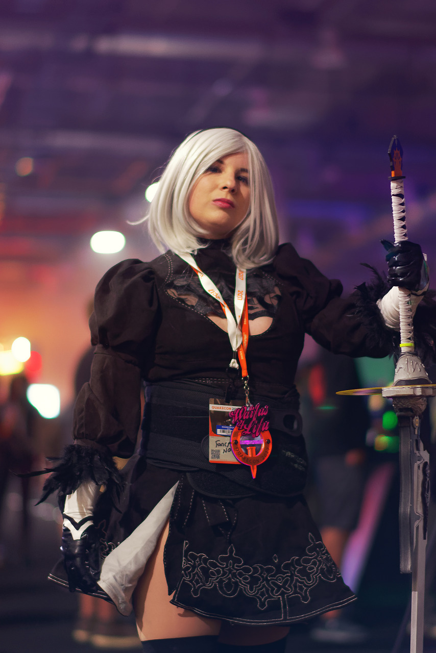 Yorha 2B cosplay from Nier Automata at Quakecon 2017