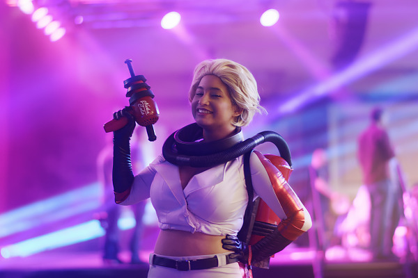 Cosplay of the Nuka Cola Girl from Fallout at Quakecon 2018