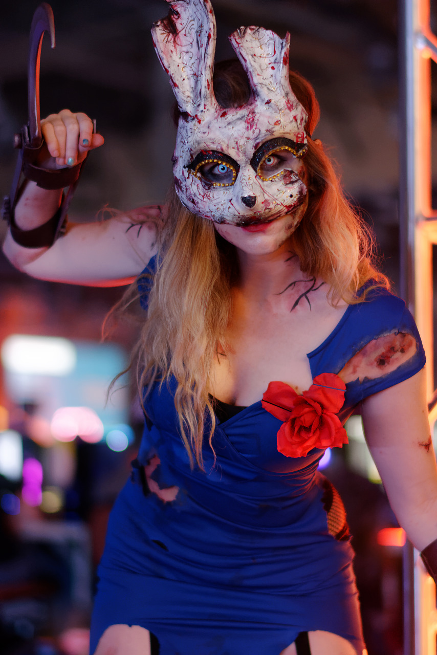 Cosplay of Bunny Splicer of Bioshock at Quakecon 2018