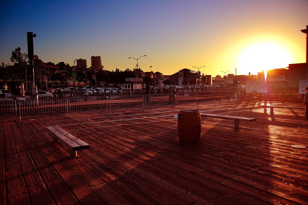 Wooden sunset at Pier 39