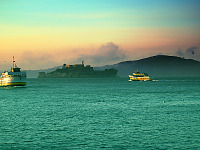 san-francisco > Alcatraz in the fog at sunset